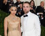 Robert Pattinson chia tay bạn gái?