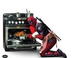 Té ghế với loạt ảnh mới của Deadpool Ryan Reynolds