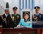 Thái Lan xem xét thu hồi hộ chiếu của bà Yingluck