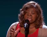 """America""""s Got Talent: Xúc động trước giọng ca của cô gái sống sót sau tai nạn máy bay"""