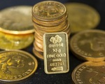 Giá vàng áp sát mức 'đáy' trong gần 5 tháng