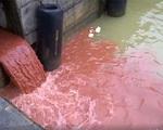 Công an truy tìm người phát tán clip cống xả nước màu đỏ