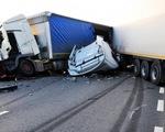 Mỹ: Xe tải đâm vào đám đông ở Los Angeles, nhiều người bị thương