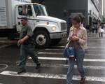 Mỹ: Thị trấn New Jersey đề xuất cấm dùng điện thoại khi đi bộ