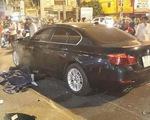 Xế hộp BMW đâm liên hoàn nhiều xe máy trong đêm, nhiều người thương vong