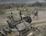 Đánh bom liều chết tại Afghanistan, hàng chục người thương vong
