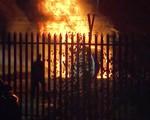 KINH HOÀNG: Trực thăng của ông chủ Leicester City nổ tan tành ngay sân King Power