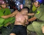 Tiền Giang: Người đàn ông cầm dao, kéo xông vào nhà dân cố thủ nhiều giờ