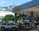 Thiếu hụt xăng ở 'vương quốc dầu lửa' Venezuela