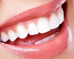 Làm trắng răng siêu hiệu quả bằng nghệ tươi