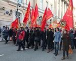 Tuần hành kỷ niệm 101 năm Cách mạng Tháng Mười tại Nga