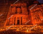 Du lịch thành phố cổ với hơn 1.500 ngọn nến lung linh