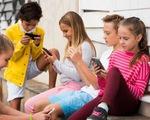 Trẻ em dùng thiết bị thông minh hơn 7 tiếng mỗi ngày có nguy cơ mỏng vỏ não