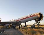 Máy bay chở 66 người rơi tại Iran