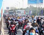 Tắc nghẽn đường đến ga Sài Gòn, nhiều hành khách bị trễ chuyến