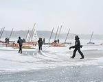 Độc đáo giải Vô địch đua thuyền trên băng thế giới