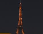 Pháp thắp sáng tháp Eiffel với thông điệp tôn vinh nữ quyền