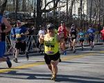 Vận động viên mắc hội chứng lùn bẩm sinh chinh phục nhiều đường đua marathon