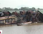 Tràn lan tàu khai thác cát trái phép trên sông Hồng