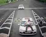 Hà Nội: Tạm giữ tài xế taxi hất nhân viên an ninh sân bay lên nắp capo