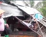 Tiền Giang: Lốc xoáy làm sập 35 căn nhà