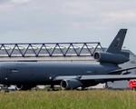 Máy bay quân sự của Mỹ hạ cánh khẩn cấp ở Ireland