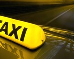 Vì sao Bộ Giao thông Vận tải không cấp phép phù hiệu taxi cho xe khách hoán cải?