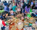 Chợ quê đặc biệt giữa lòng TP.HCM