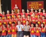 Kiều bào trẻ hỗ trợ học sinh nghèo tại Nghệ An