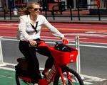 Uber tập trung vào dịch vụ cho thuê xe đạp và xe scooter