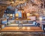 Khám phá biệt thự 'triệu đô' nằm ngay trong hang động độc nhất thế giới
