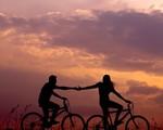 Những điều bạn cần tránh để không làm 'mòn' mối quan hệ tình cảm