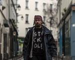 Người vô gia cư trở thành ngôi sao mạng xã hội tại Pháp