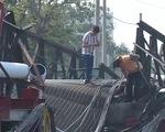 Cầu Đăk Pam sập 8 năm không sửa, dân liều mình lội suối - ảnh 2