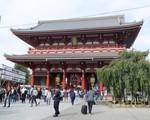 Người Nhật Bản đi chùa cầu kinh doanh thuận lợi đầu năm mới - ảnh 1