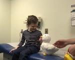 Robot vịt - 'Thú cưng' thân thiết của bệnh nhi ung thư