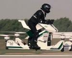 Xe bay đầu tiên trên thế giới cất cánh
