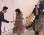 Không thu phí xe ra vào sân bay trong thời gian ngắn - ảnh 1