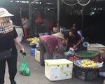 """Phóng viên điều tra vụ 'bảo kê' chợ Long Biên: """"Chúng tôi là ngọn đuốc nhỏ thổi ngọn lửa bùng lên"""""""
