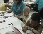 Cô giáo 10 năm gắn bó dạy học cho trẻ em ung thư