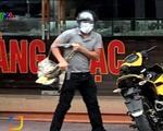 Bắt được nghi phạm dùng súng cướp tiệm vàng tại Quảng Ninh - ảnh 1