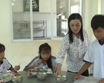 """Cô giáo """"truyền lửa"""" cho học sinh về tình yêu văn hóa Khmer - ảnh 1"""