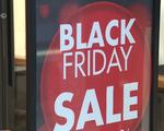 """Nhiều cửa hàng, trung tâm thương mại """"chạy đua"""" khuyến mãi dịp Black Friday"""