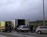 Phát hiện 41 người nhập cư trái phép vào Hy Lạp trong xe lạnh