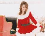 'All I Want for Christmas Is You' đã mang về cho Mariah Carey hàng chục triệu USD