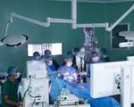 Lần đầu tiên tại châu Á: Bệnh viện Nhân Dân 115 mổ u não bằng robot