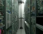 Nhà thuốc thông minh vận hành bằng cánh tay robot