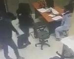 Hai đối tượng dùng hung khí cướp tiền tại trạm thu phí cao tốc ở Đồng Nai