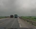 Xe container vượt ẩu suýt gây tai nạn