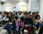 Hai bệnh viện lớn của Hà Nội chật cứng bệnh nhi từ Bắc Ninh thăm khám vì nghi nhiễm sán